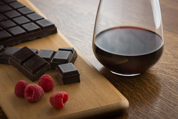 crno vino i cokolada.jpg