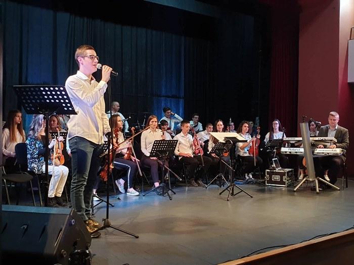 orkestar gimnazije jovan ducic koncert trebinje (2).jpg