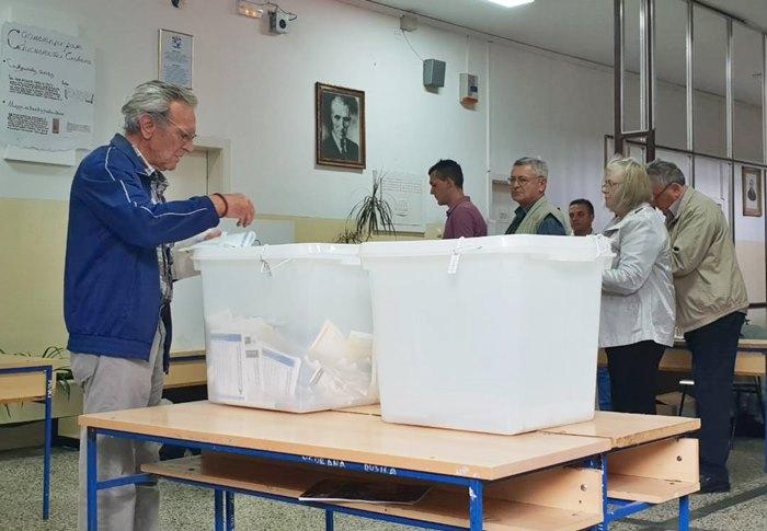 glasanje trebinje.jpg