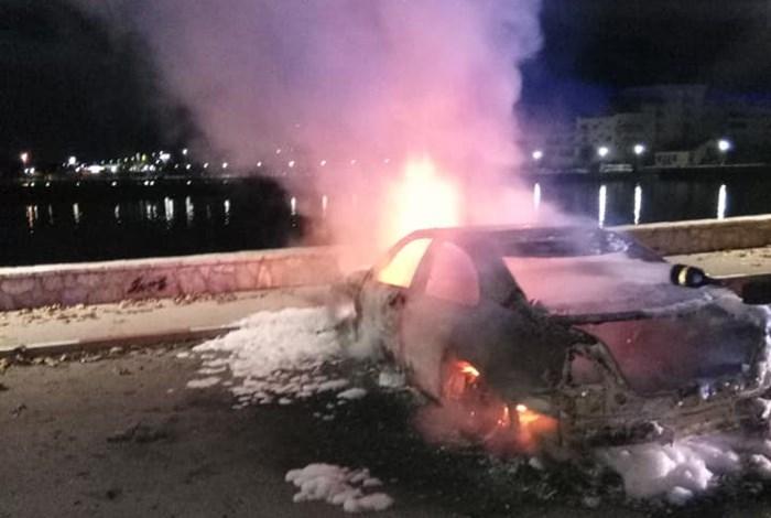 izgorjelo vozilo (2).jpg