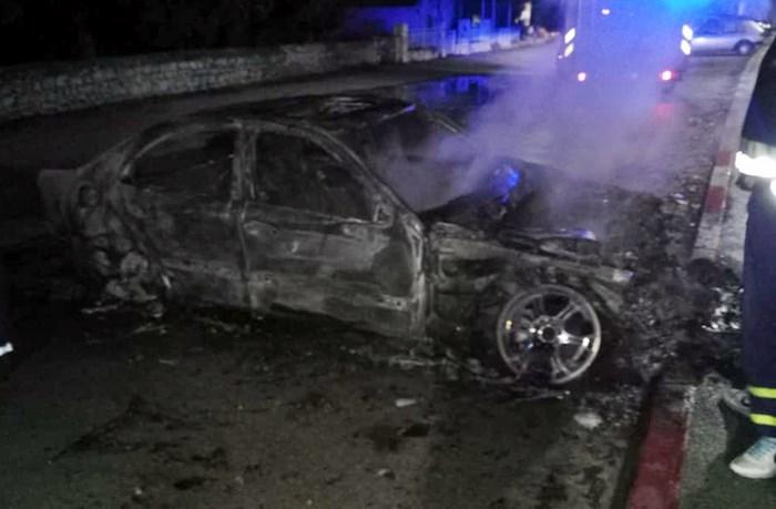 izgorjelo vozilo (1).jpg
