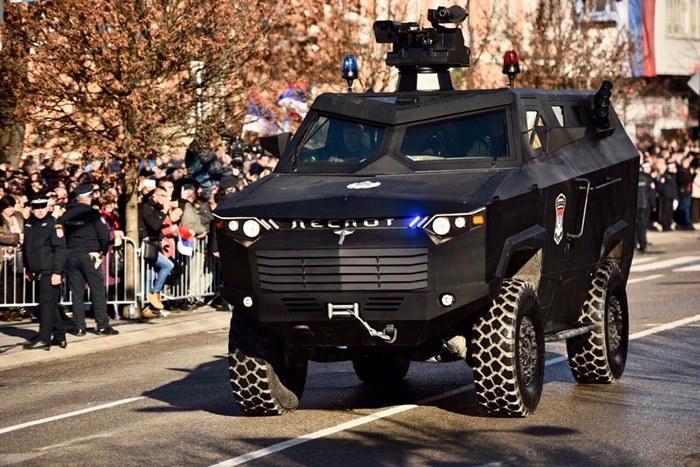 oklopno vozilo despot republika srpska.jpg