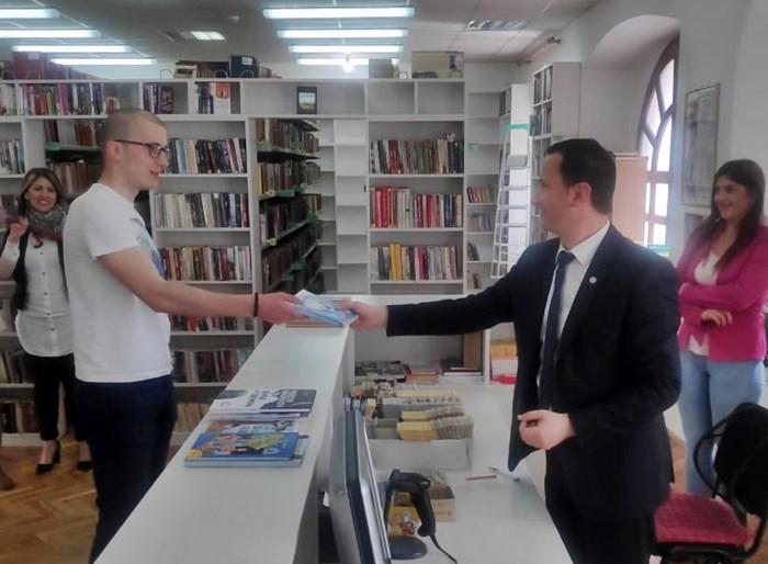 gradonacelnik bibliotekar (3).jpg