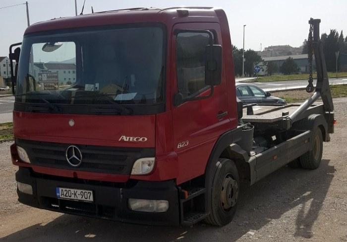 kamion komunalno.jpg