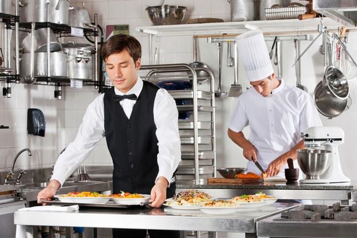 konobar kuvar.jpg