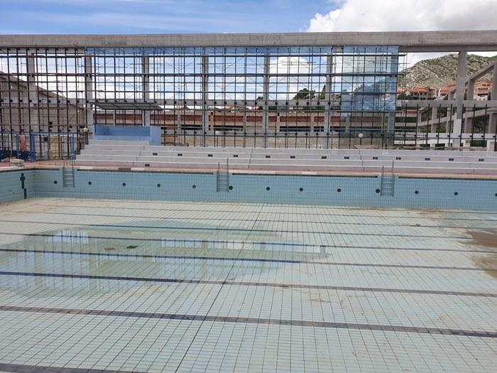 olimpijski bazen trebinje pukotine (1).jpg