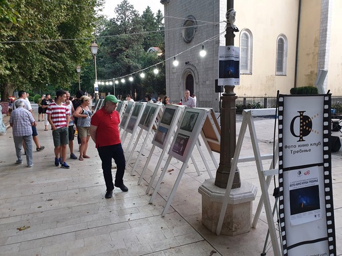 klupska izlozba foto kino klub trebinje (1).jpg