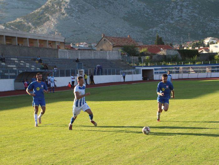 Fk leotar mladost fudbal1.jpg