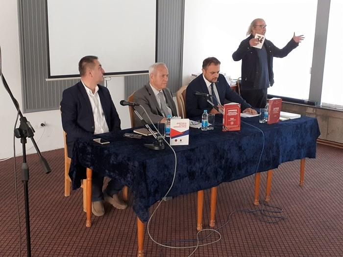 promocija knjiga jasenovac (1).jpg