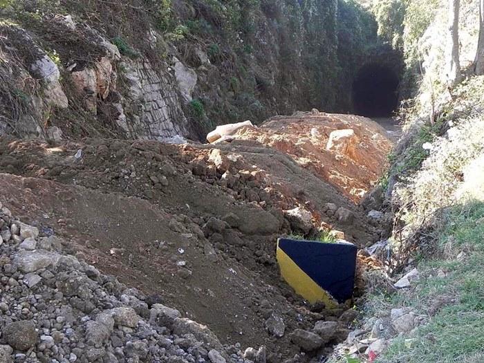 tunel police.jpg