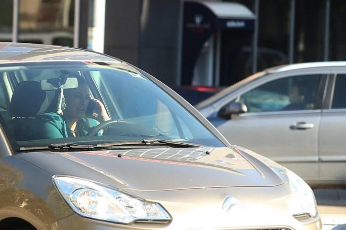 mobilni i voznja.jpg