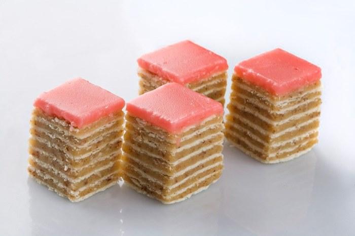 rozen torta sa ljesnicima.jpg