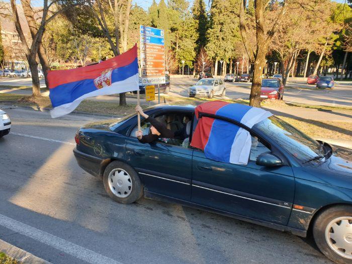 Kolona vozila trebinje 201203.jpg