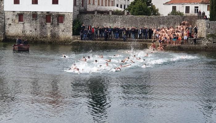 bogojavljenje plivanje 2020 (1).jpg