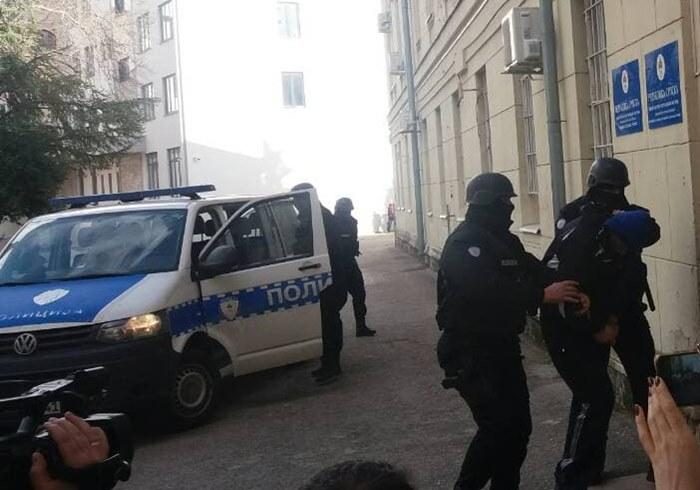 policija privodjenje.jpg