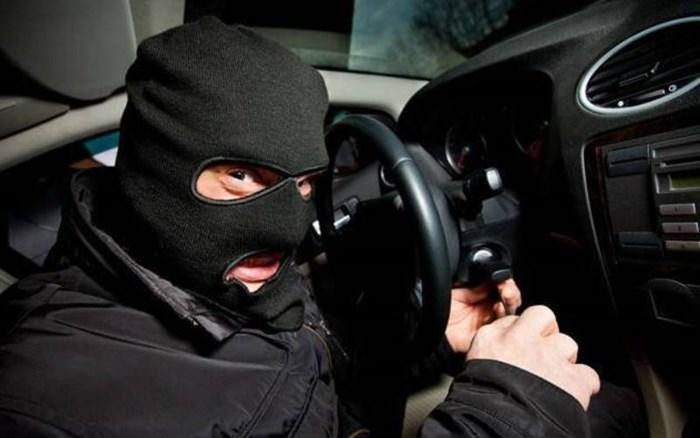 kradja auto lopov.jpg