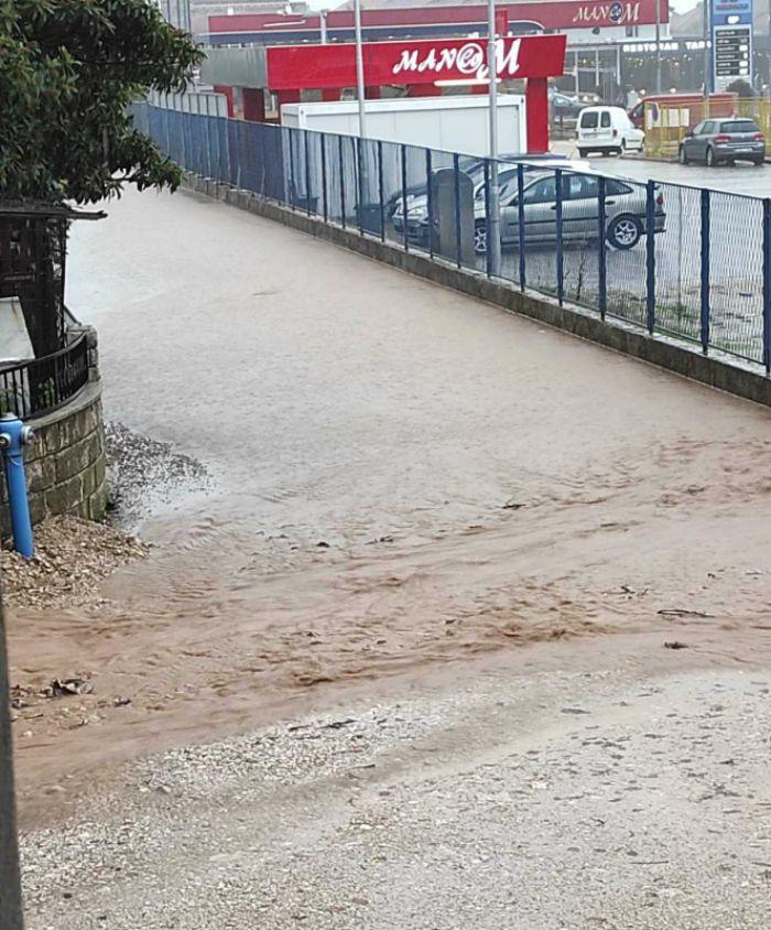 Voda ulica.jpg