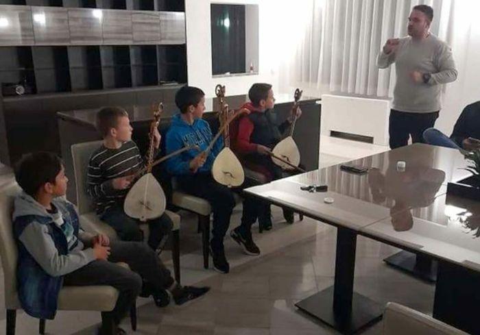 Marko butulija guslarska skola.jpg