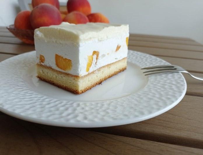 kolač sa beskvama (1).jpg