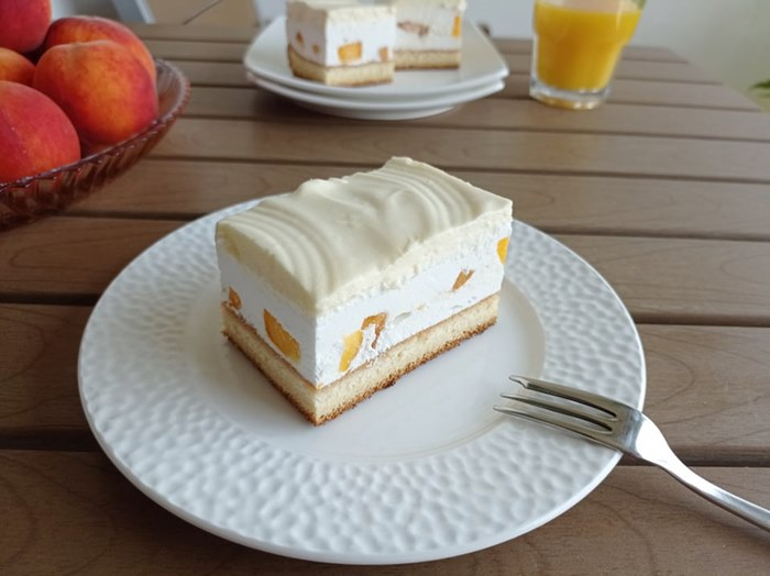 kolač sa beskvama (2).jpg