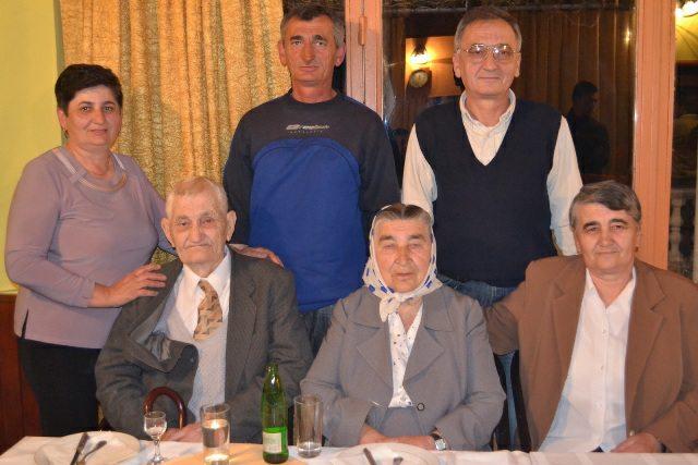Slavljenici sa sinovima Zdravkom i Slavisom i kcerkama Slavicom i Vasiljkom