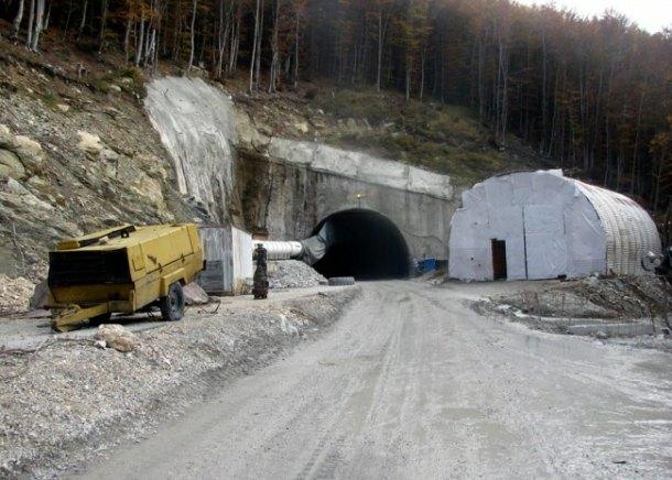 tunel cemerno