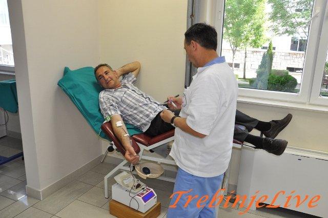 Radnici Opstine darovali krv