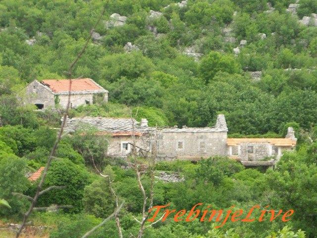 Zapaljeno i opljackano selo Prosjek
