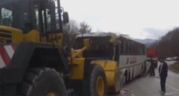 autobus jugoprevoza iz gacka