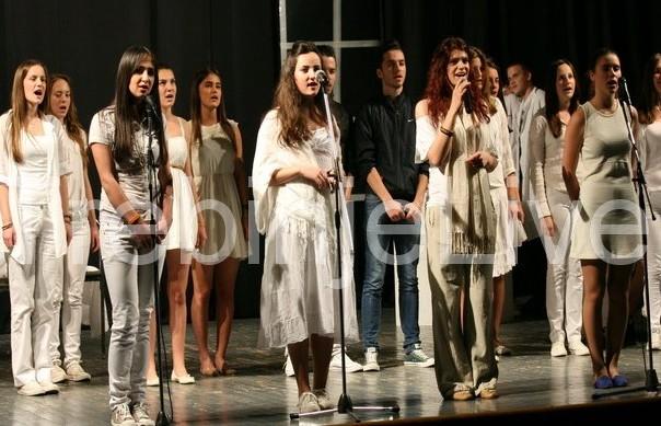 humanitarna predstava sedam i sedam ucenika gimnazije jovan ducic iz trebinje