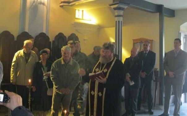 pomen zrtvama jasenovca kod manastira savina