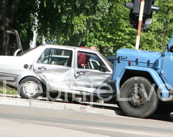 saobracajna nesreca trebinje auto i cesterna