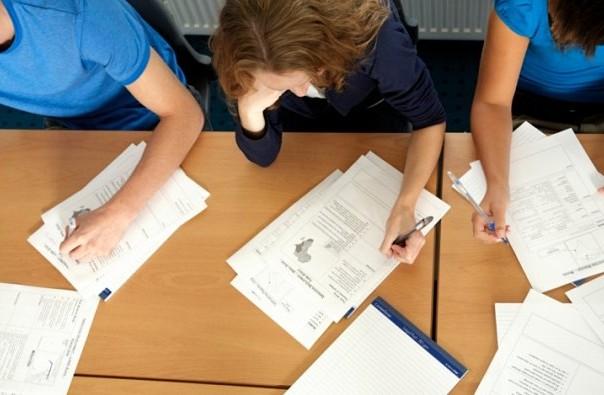 u skolsku 2013-14 godinu upisace se 12200 srednjoskolaca