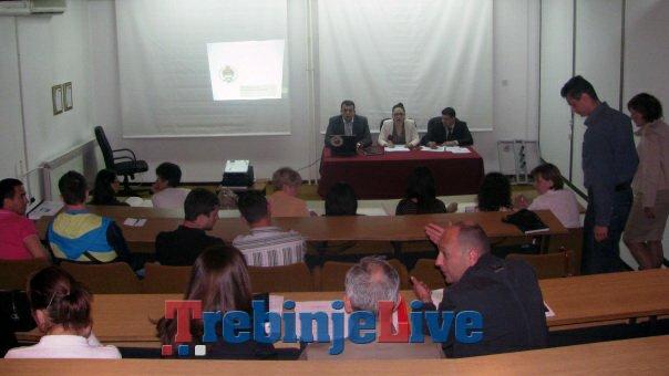 javna rasprava o nacrtu zakona o nacinu izmirenje poreskog duga odrzana u trebinju