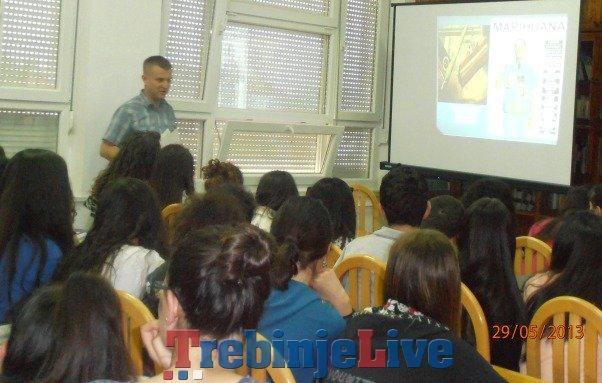 prevanje o stetnosti narkotika u gimnaziji jovan ducic trebinje