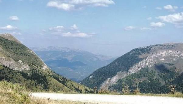 zatvaraju se ilegalni granicni prelazi izmedju BiH i Crne Gore