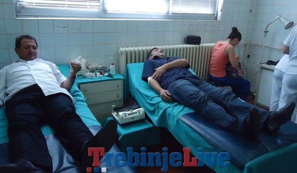 adnici elektroprivrede crne gore darivali krv za opstu bolnicu meljine
