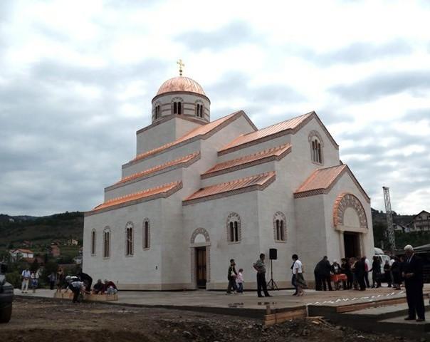 sluzena liturgija u hramu svetog cara lazata u andricgradu