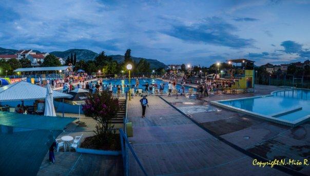 Olimpijski bazen u Trebinju pod reflektorima