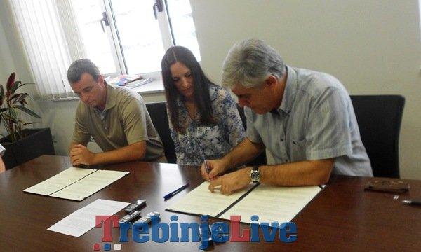 potpisivanje memoranduma o prazniku mimoze u herceg novom