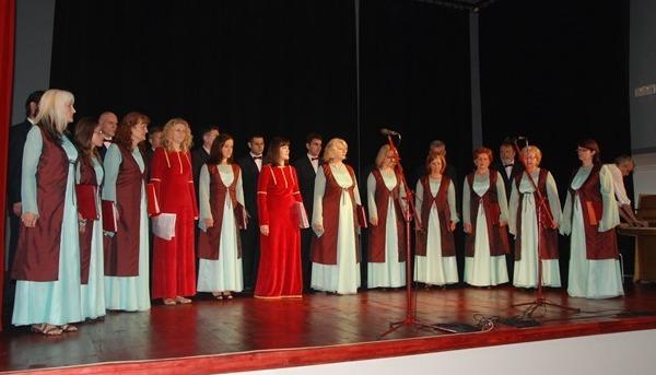 crkveno varoski hor sveti sava nastupio u herceg novom