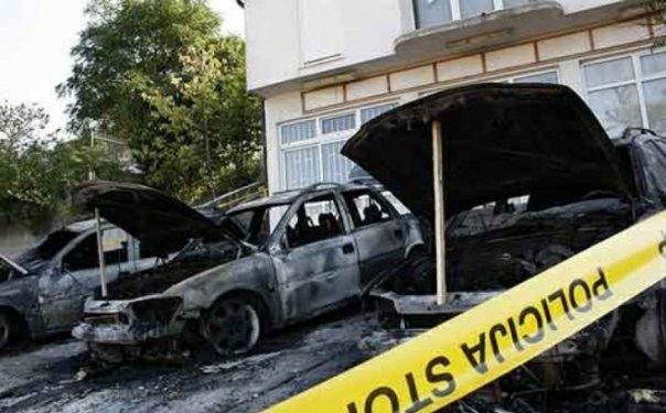 izgorjela tri automobila u mostaru