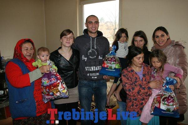 paketici za romske porodice