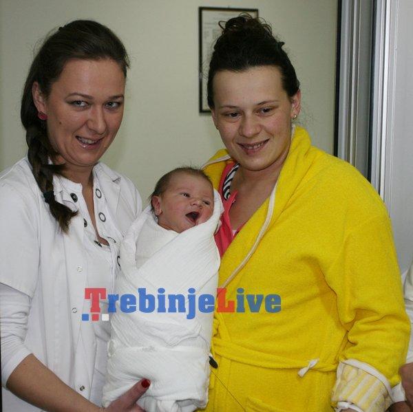 prvorodjena beba trebinje