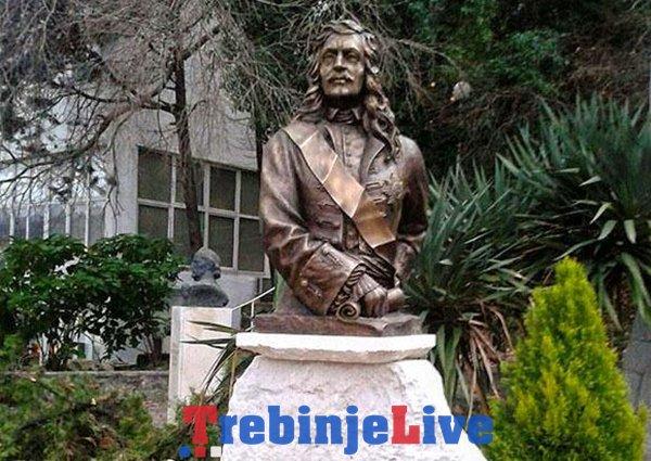 spomenik grofu savi vladislavicu na toploj u herceg novom