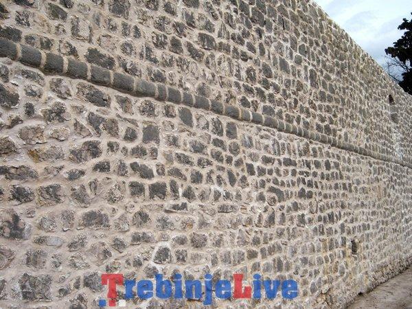 rekonstrukcija zidina starog grada trebinje radovi