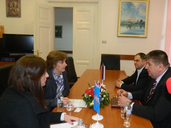 zamjenica ambasadora britanije u posjeti trebinju
