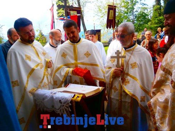 liturgija u crkvi svete nedjelje u kamenarima