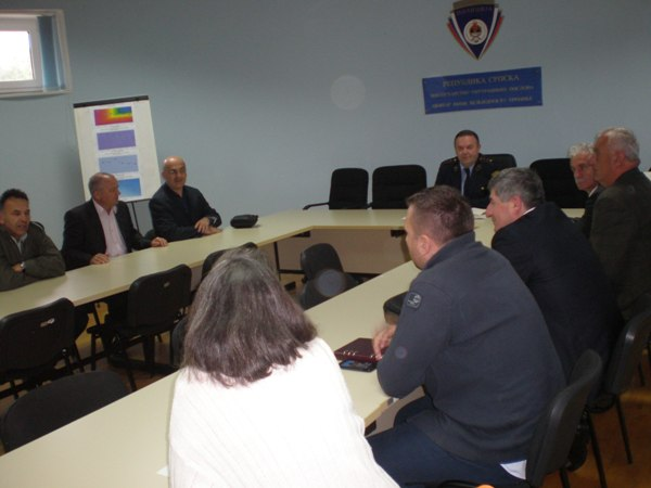 sastanak policije i direktora skola u trebinju
