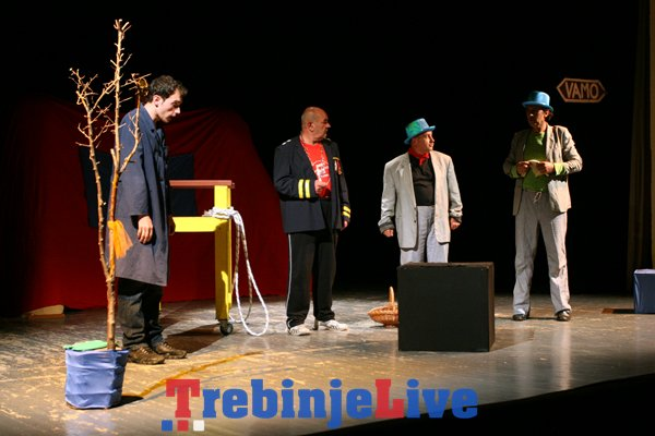predstava cekajuci godoa teatar tolal visoko festival festivala trebinje